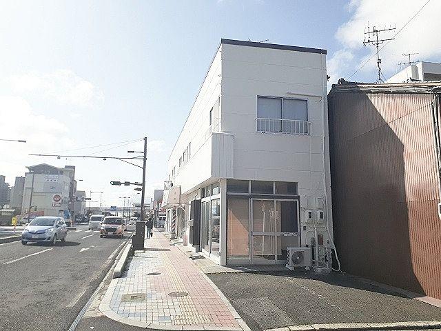 9号線沿テナント(1-2階)P2台込/6.5万円